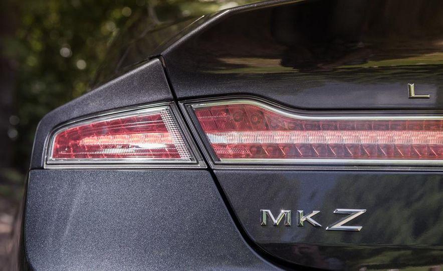 2014 Lincoln MKZ 2.0T AWD - Slide 11