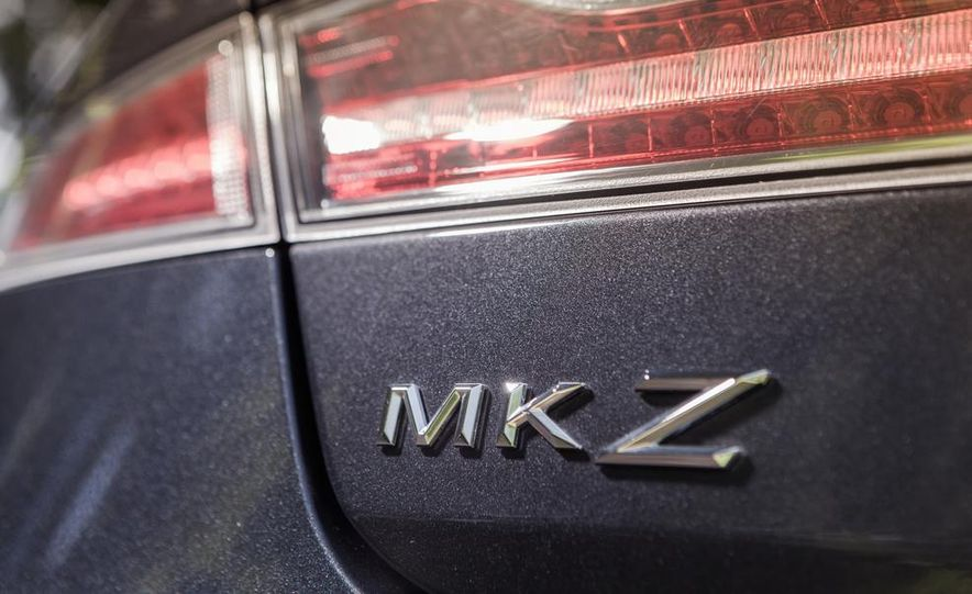 2014 Lincoln MKZ 2.0T AWD - Slide 12