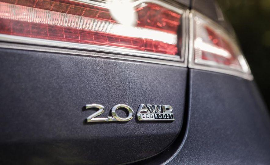 2014 Lincoln MKZ 2.0T AWD - Slide 9