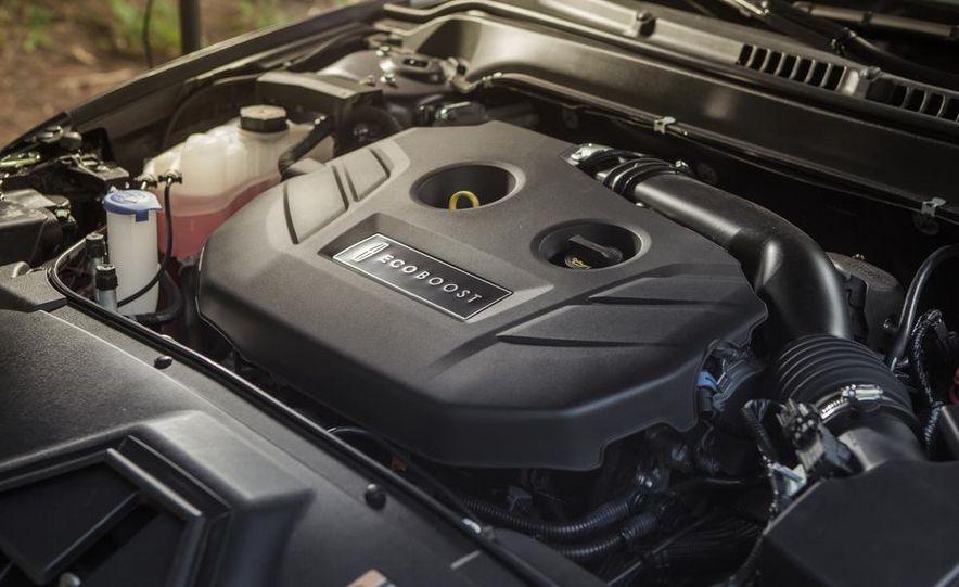 2014 Lincoln MKZ 2.0T AWD - Slide 23