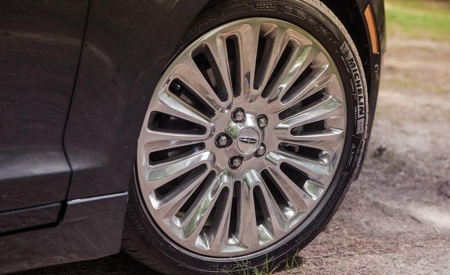 2014 Lincoln MKZ 2.0T AWD - Slide 8