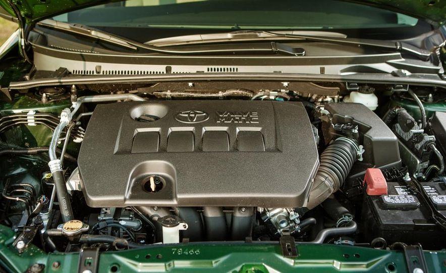 2014 Toyota Corolla LE Eco - Slide 32