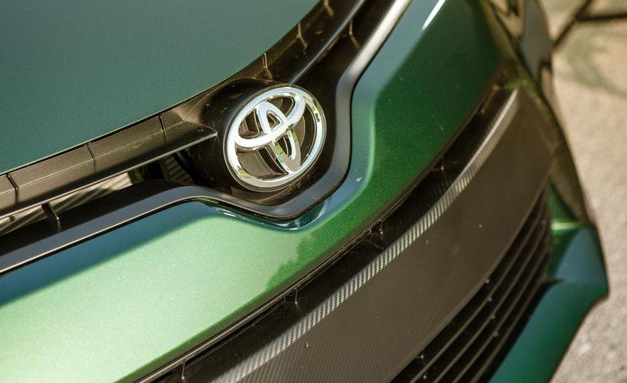 2014 Toyota Corolla LE Eco - Slide 14
