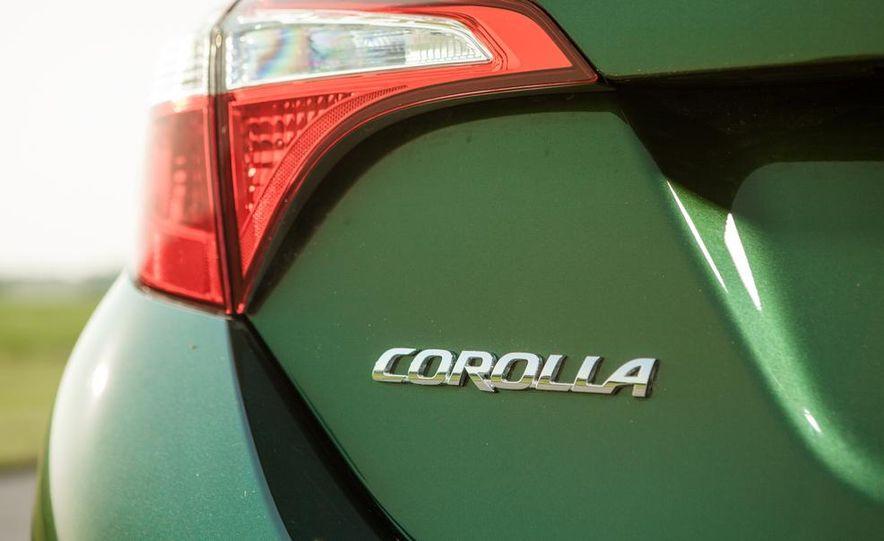2014 Toyota Corolla LE Eco - Slide 17
