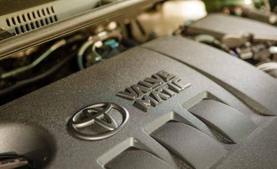 2014 Toyota Corolla LE Eco - Slide 34