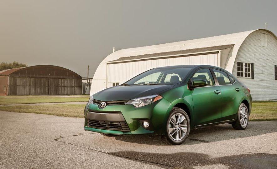 2014 Toyota Corolla LE Eco - Slide 11