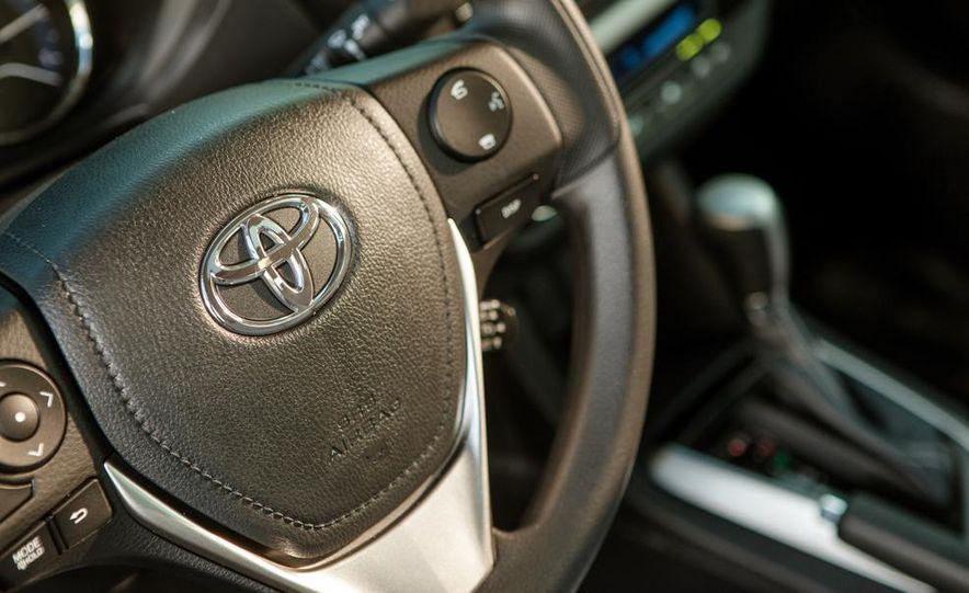 2014 Toyota Corolla LE Eco - Slide 25