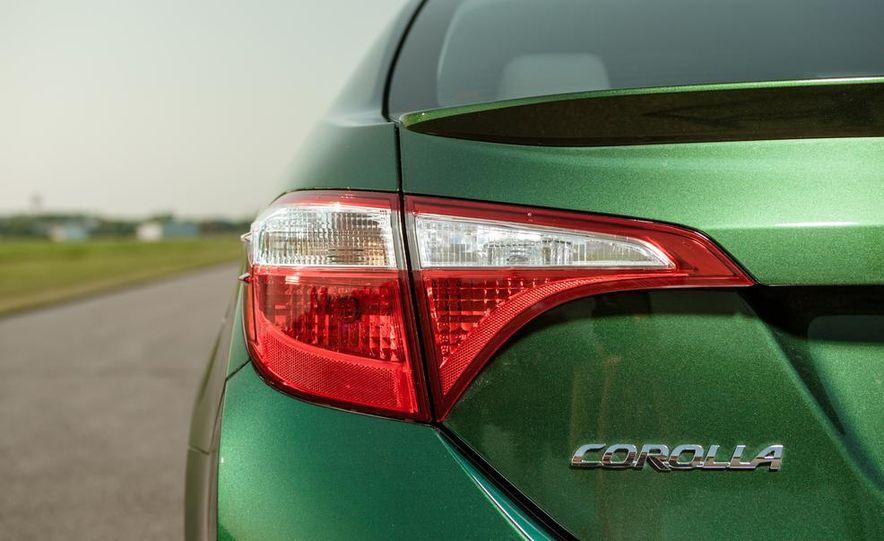 2014 Toyota Corolla LE Eco - Slide 18