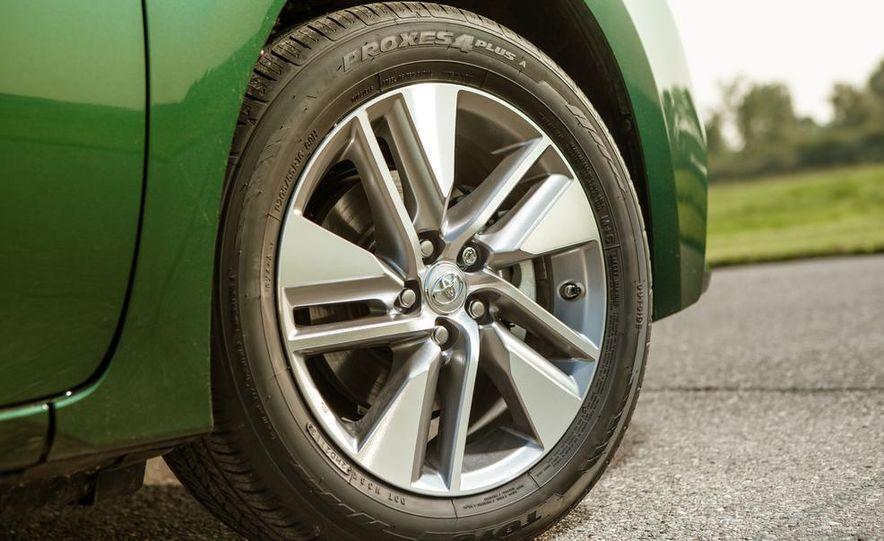 2014 Toyota Corolla LE Eco - Slide 16