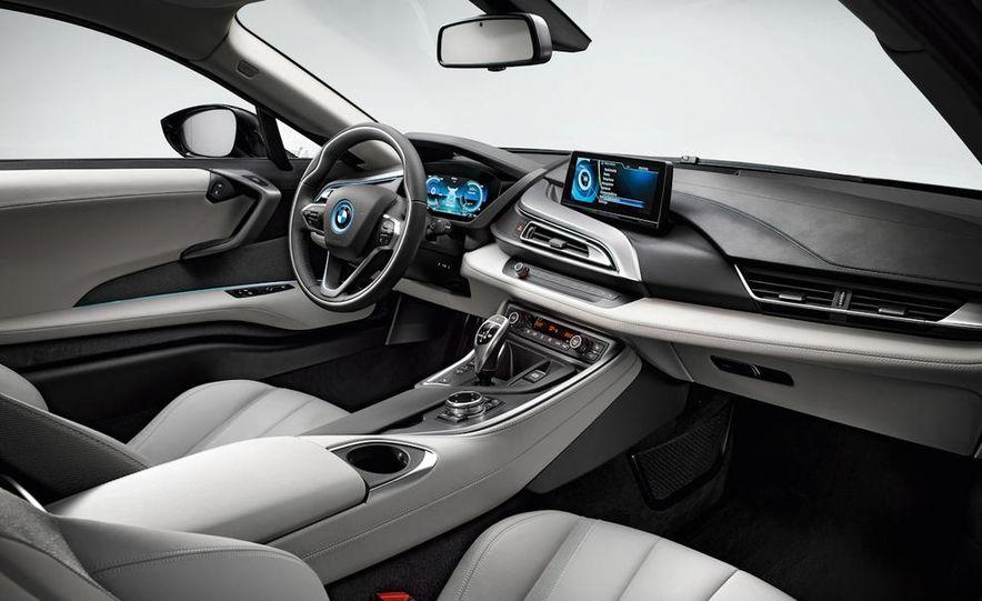 2015 BMW i8 - Slide 43