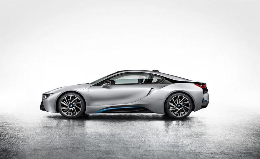 2015 BMW i8 - Slide 37