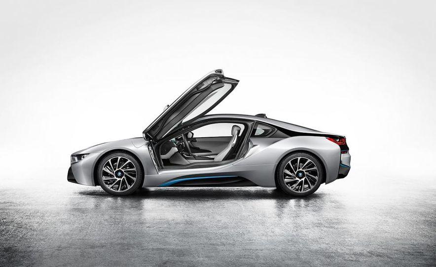 2015 BMW i8 - Slide 38