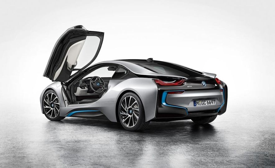 2015 BMW i8 - Slide 40