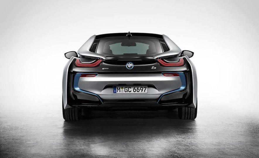 2015 BMW i8 - Slide 41