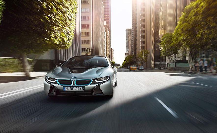 2015 BMW i8 - Slide 12