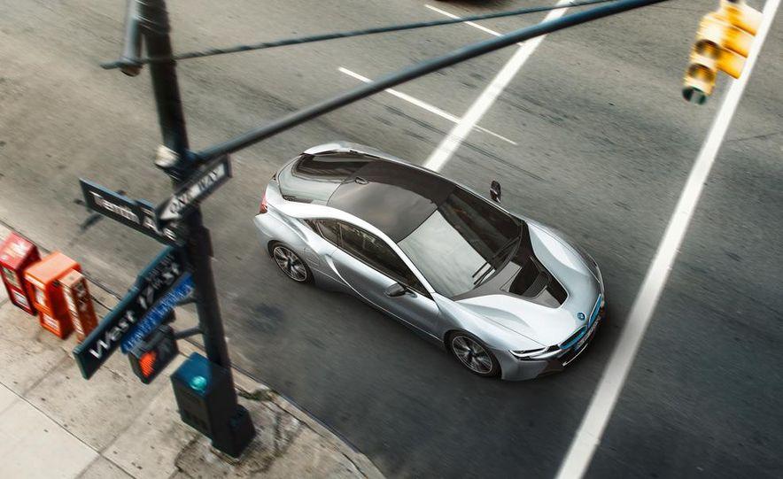 2015 BMW i8 - Slide 15