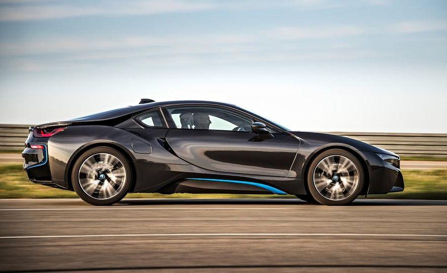 2015 BMW i8 - Slide 21