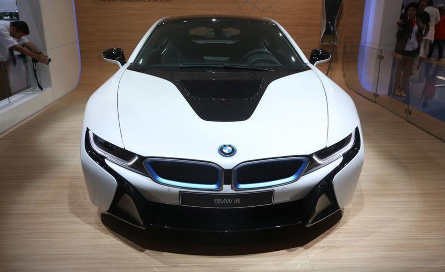 2015 BMW i8 - Slide 5