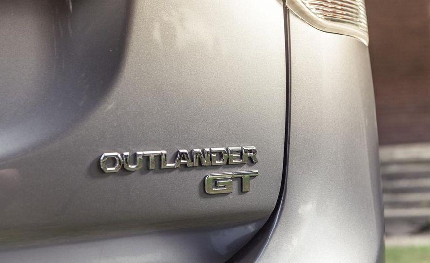 2014 Mitsubishi Outlander GT - Slide 19
