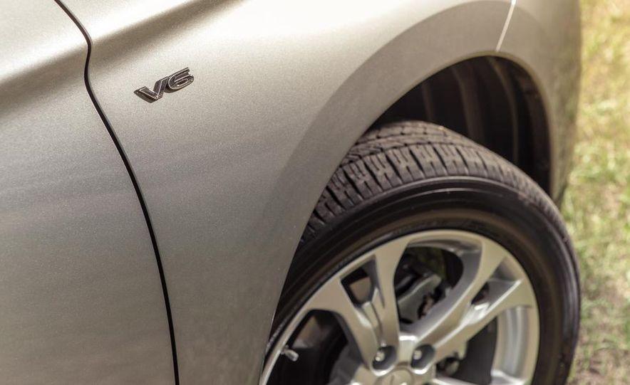 2014 Mitsubishi Outlander GT - Slide 21