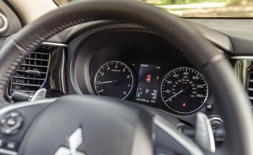 2014 Mitsubishi Outlander GT - Slide 35
