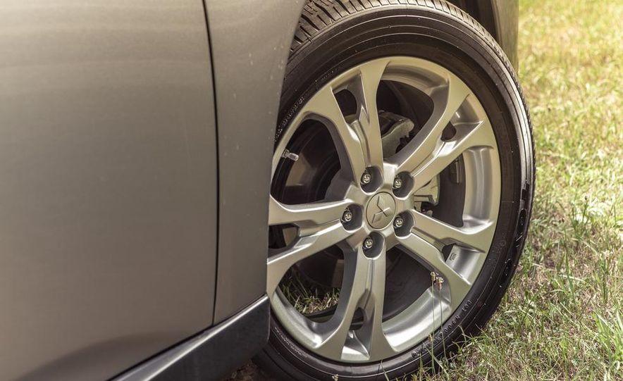 2014 Mitsubishi Outlander GT - Slide 22
