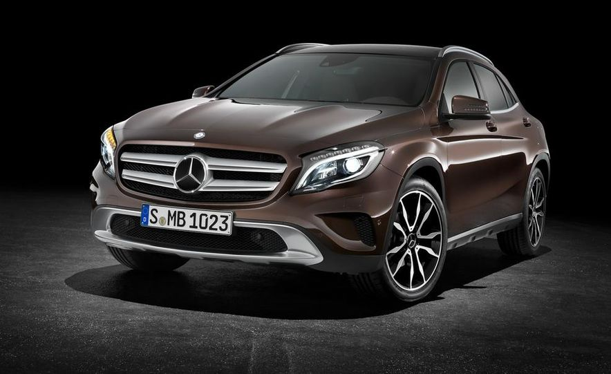 2015 Mercedes-Benz GLA220 CDI 4MATIC (Euro-spec) - Slide 1