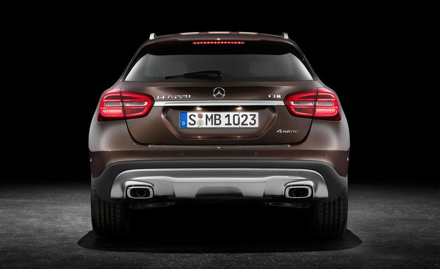 2015 Mercedes-Benz GLA220 CDI 4MATIC (Euro-spec) - Slide 7