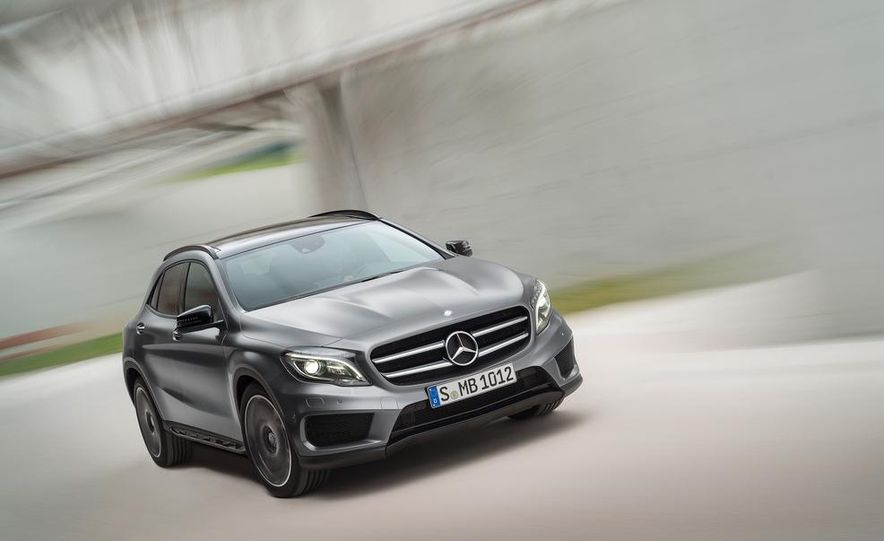 2015 Mercedes-Benz GLA220 CDI 4MATIC (Euro-spec) - Slide 16