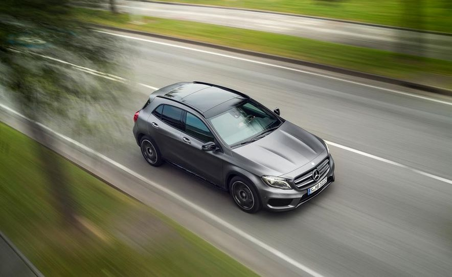 2015 Mercedes-Benz GLA220 CDI 4MATIC (Euro-spec) - Slide 17