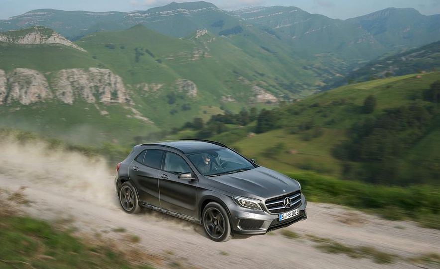 2015 Mercedes-Benz GLA220 CDI 4MATIC (Euro-spec) - Slide 19