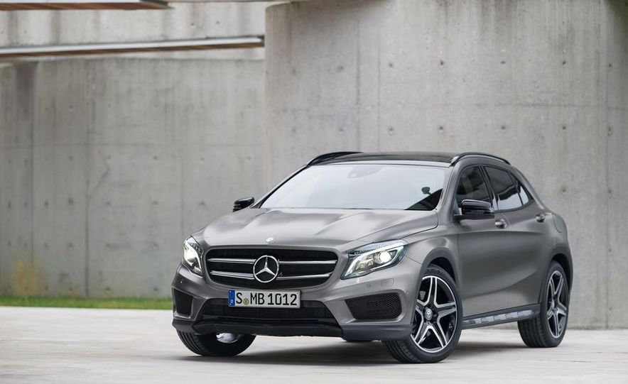 2015 Mercedes-Benz GLA220 CDI 4MATIC (Euro-spec) - Slide 21