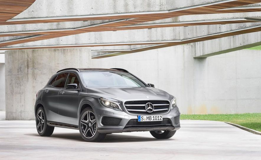 2015 Mercedes-Benz GLA220 CDI 4MATIC (Euro-spec) - Slide 23