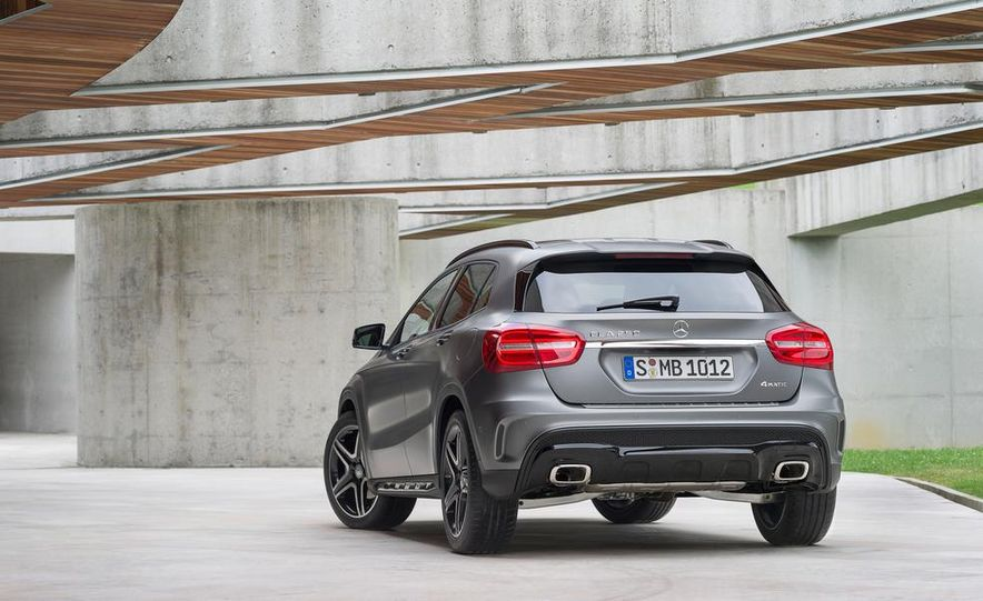 2015 Mercedes-Benz GLA220 CDI 4MATIC (Euro-spec) - Slide 24