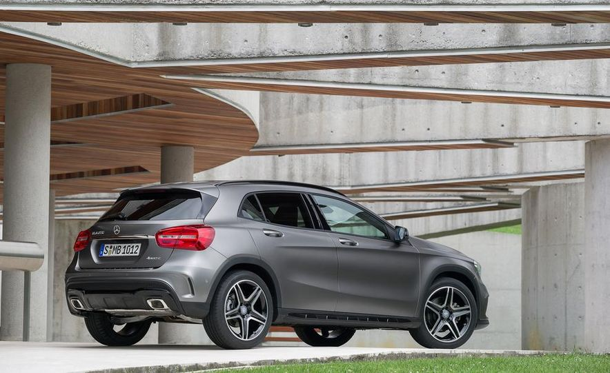 2015 Mercedes-Benz GLA220 CDI 4MATIC (Euro-spec) - Slide 25