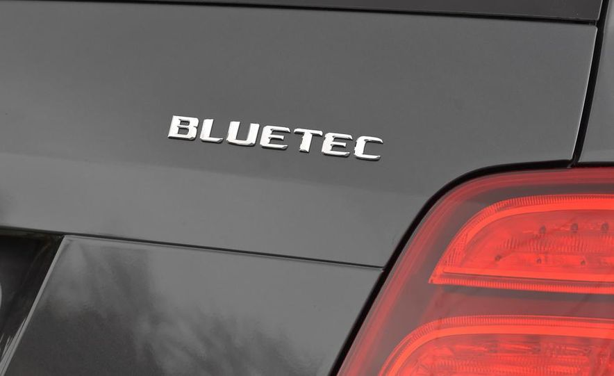 2013 Mercedes-Benz GLK250 BlueTec - Slide 35