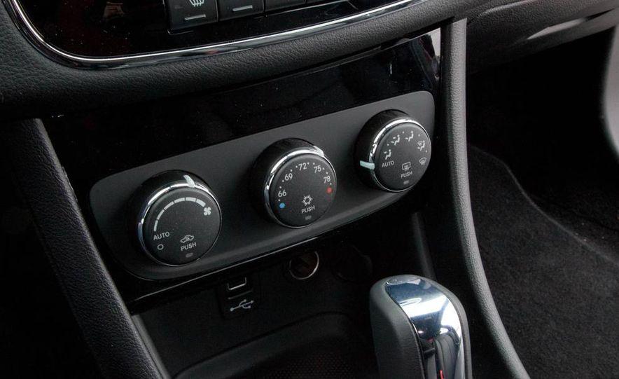 2015 Chrysler 200 (spy photo) - Slide 41