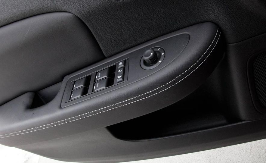 2015 Chrysler 200 (spy photo) - Slide 39