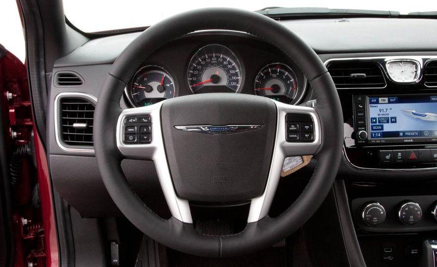 2015 Chrysler 200 (spy photo) - Slide 37