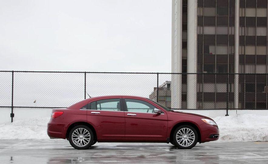 2015 Chrysler 200 (spy photo) - Slide 22