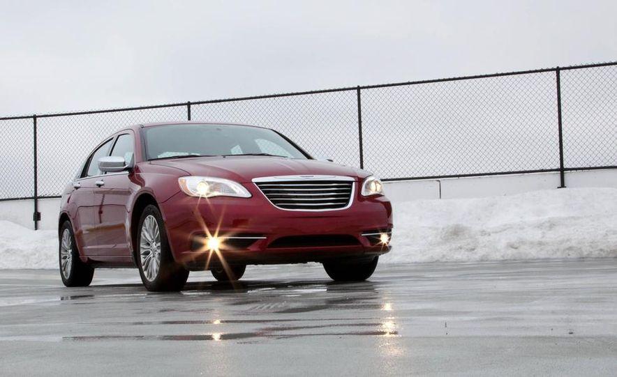 2015 Chrysler 200 (spy photo) - Slide 23