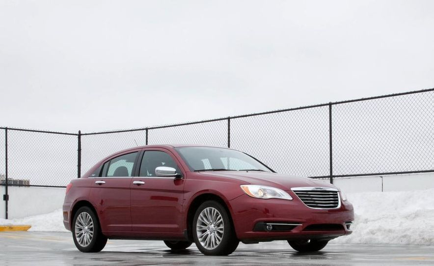 2015 Chrysler 200 (spy photo) - Slide 24