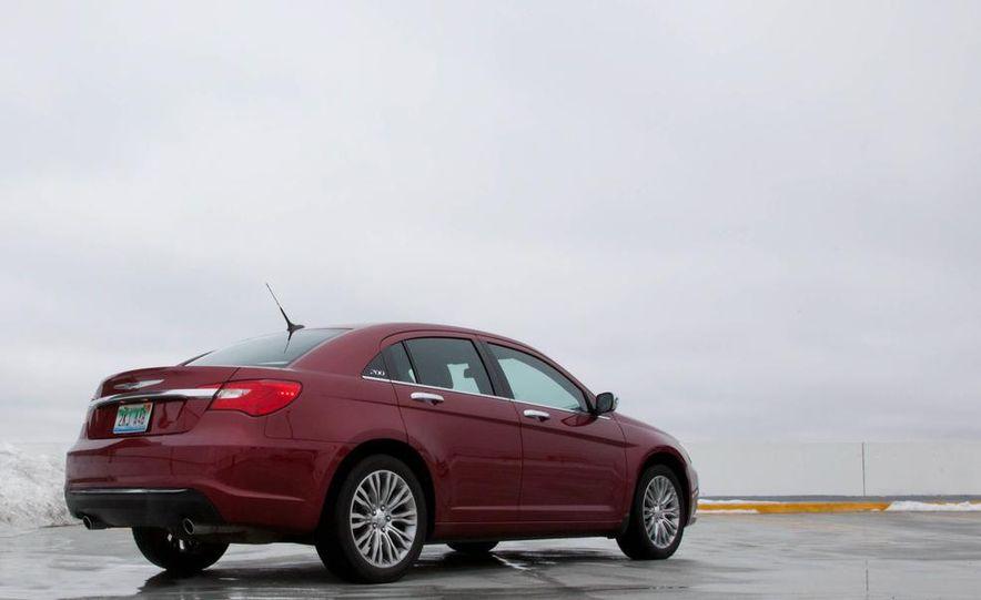 2015 Chrysler 200 (spy photo) - Slide 26