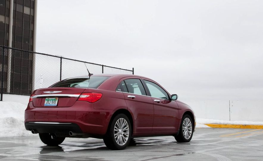 2015 Chrysler 200 (spy photo) - Slide 27