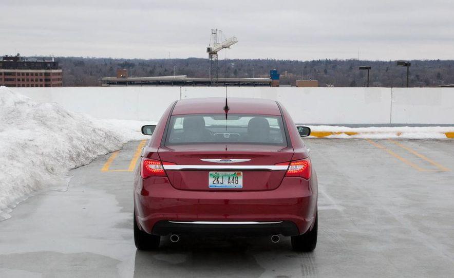 2015 Chrysler 200 (spy photo) - Slide 28