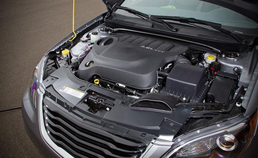 2015 Chrysler 200 (spy photo) - Slide 71