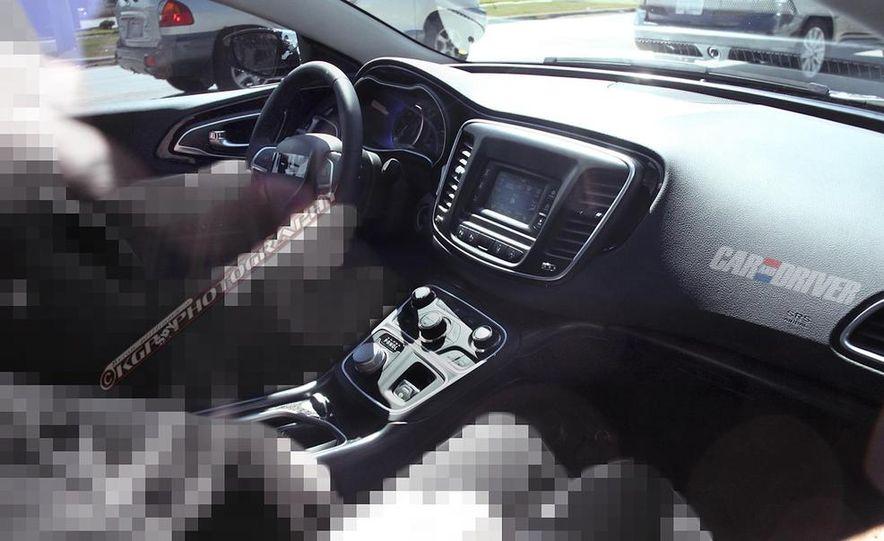 2015 Chrysler 200 (spy photo) - Slide 16