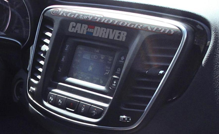 2015 Chrysler 200 (spy photo) - Slide 18