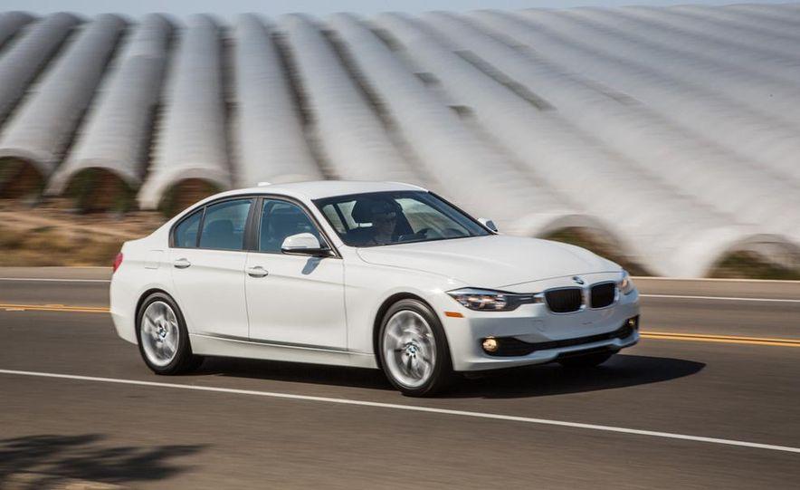 2013 BMW 320i - Slide 3
