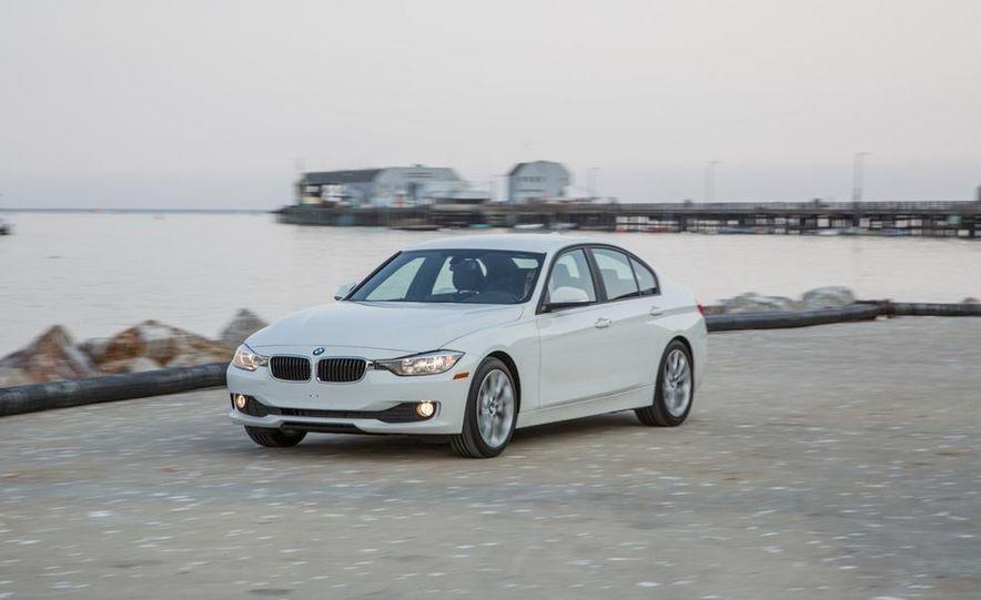 2013 BMW 320i - Slide 4